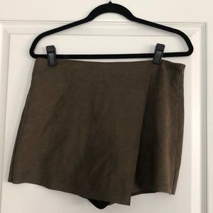 Vestique Never Enough Skort